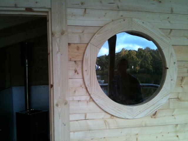 Fönster runda fönster : Bastubyggnation